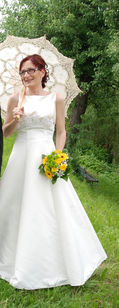 krémové svadobné šaty, 36
