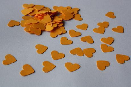 Konfety oranžová,