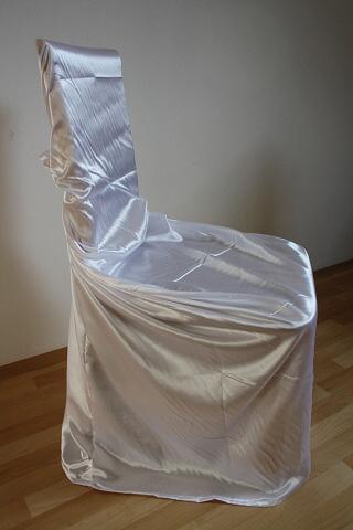 Půjčujeme svatební potahy na židle,