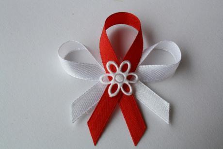 Svatební vývazek bílo-červený,