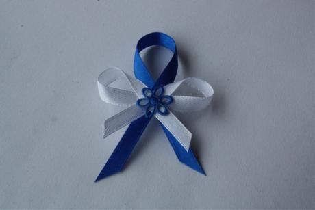 Svatební vývazek bílo-modrý,
