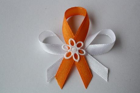 Svatební vývazek bílo-oranžový,
