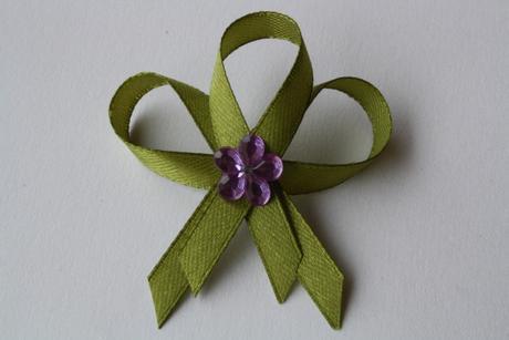 Svatební vývazek olivový,