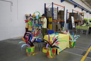 Tvarování balonků na svatbu - program pro děti,