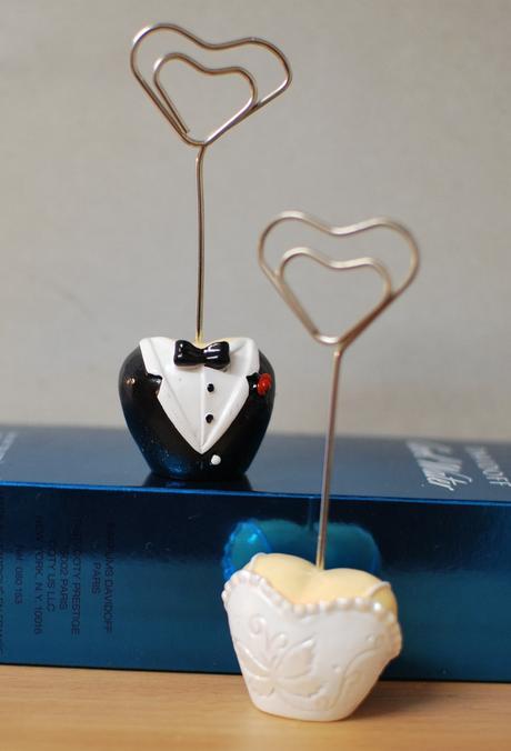 Držáčky na jmenovky nevěsty a ženicha,