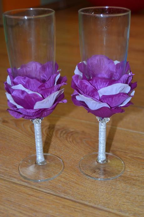 fialové skleničky,