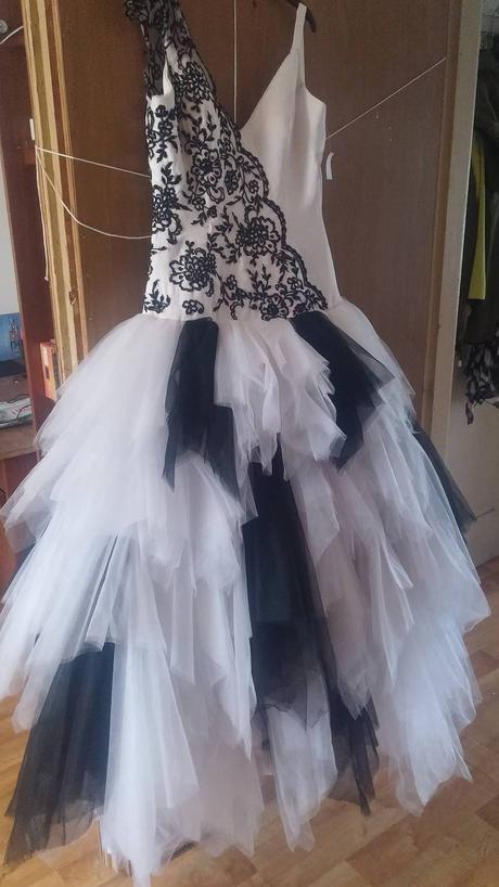 Netradiční svatební šaty 34 - 38, 38