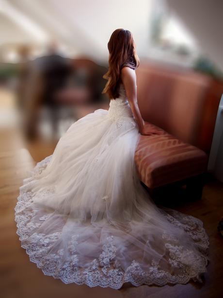 Korzetové svadobné šaty s čipkou, 36