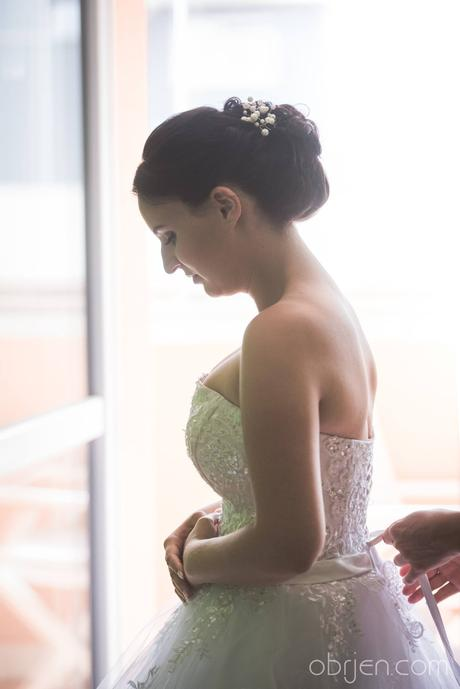 svatební šaty , 40