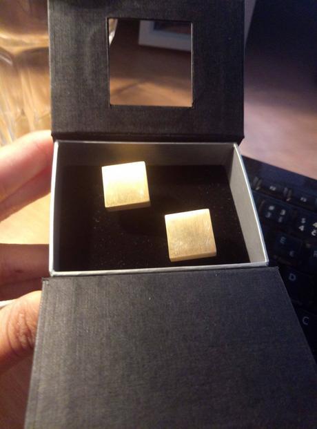 Zlaté manžetové knoflíčky,