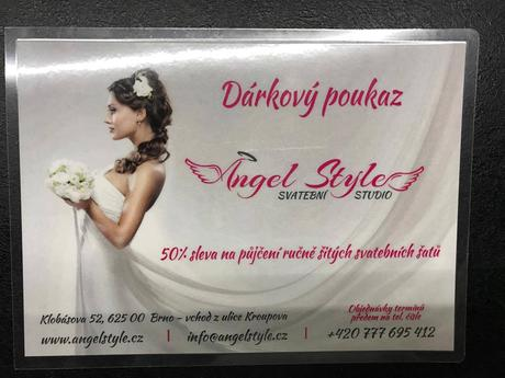 Poukaz na zapůjčení svatebních šatů dle výběru, 38