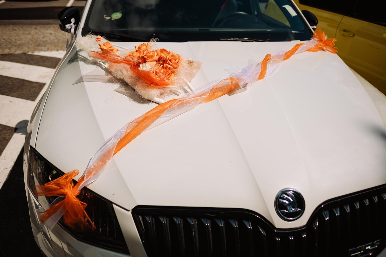 Dekorace Na Auto V Oranzove Barve 150 Kc Svatebni Bazar