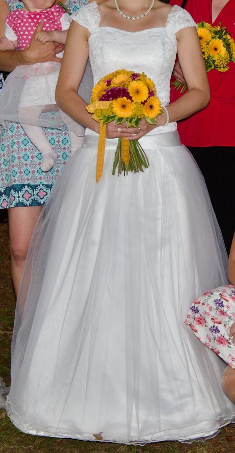 Svatební šaty - krajka/tylová sukně, 34