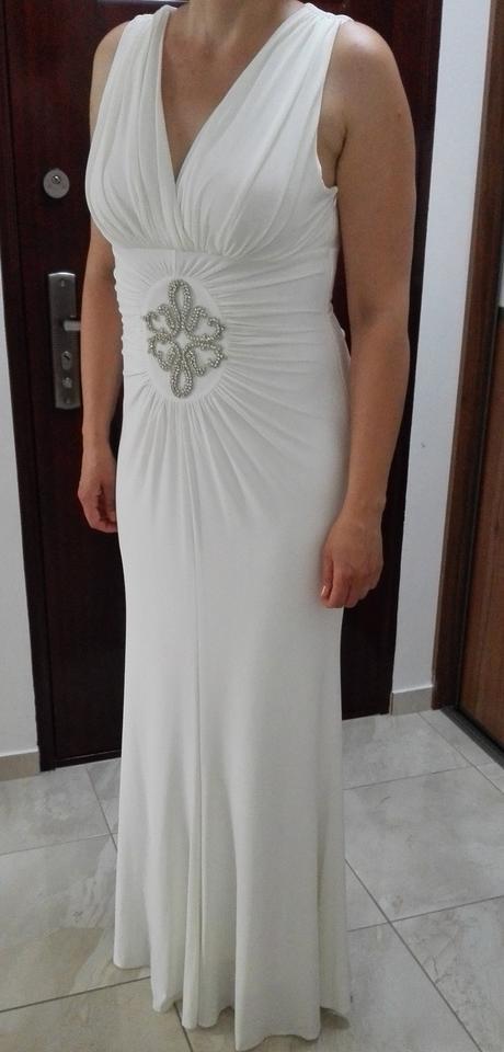 Jednoduché svadobné šaty , 44