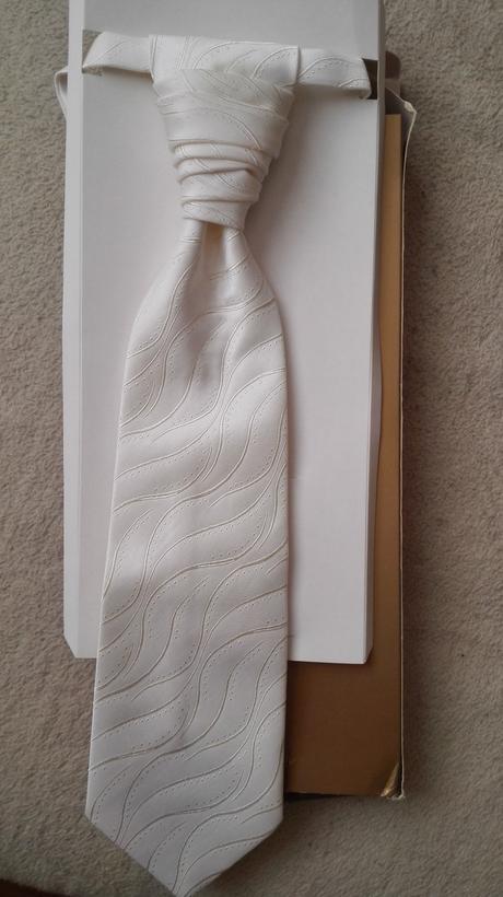 Kravata + kapesníček,