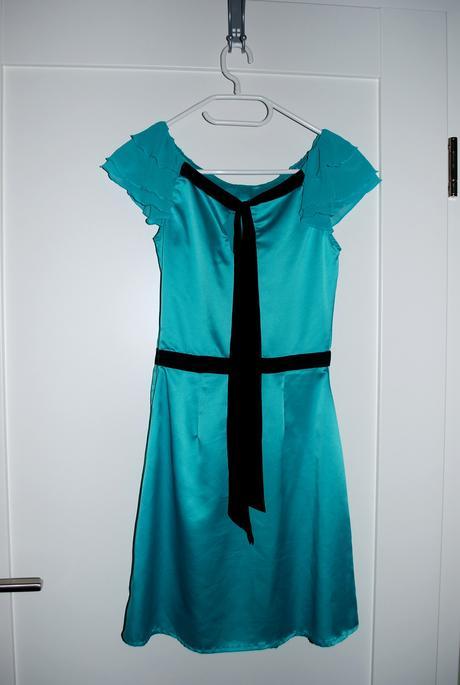 Tyrkysové šaty s volánom značky Lipsy London, 34