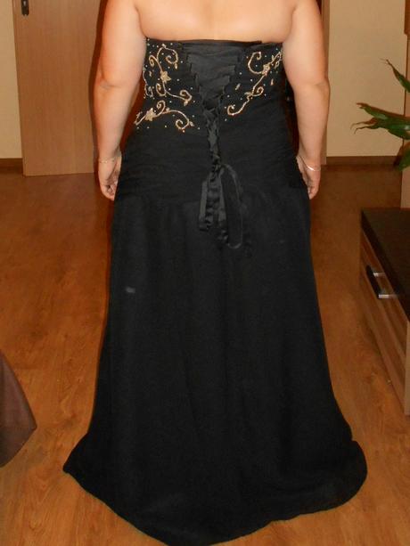 Korzetove šaty, 48