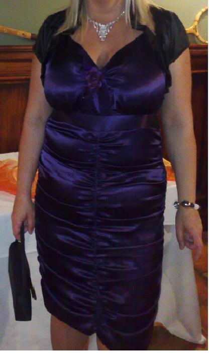 Riasene šaty, 44