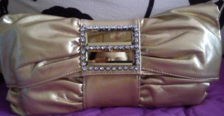 Hnedá lesklá kabelka,