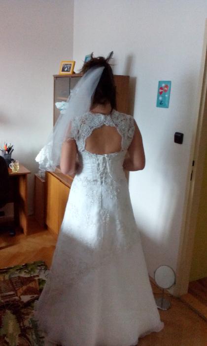 Krajkové svatební šaty - 38, prsa C, 38