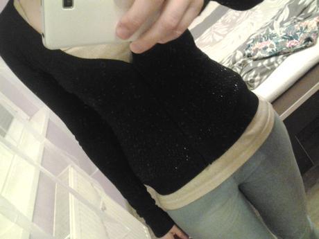 čierny elegantný svetrík s kamienkamy, 36