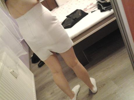 elegantná biela sukňa, S