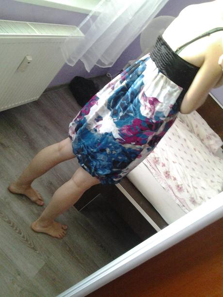 farebné elegantné šaty, S