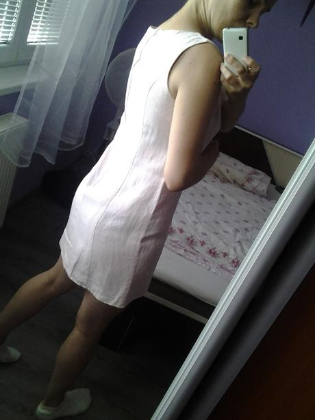 šaty , M