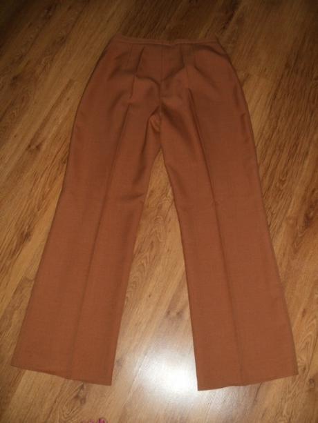 Dámsky nohavicový kostým, 42
