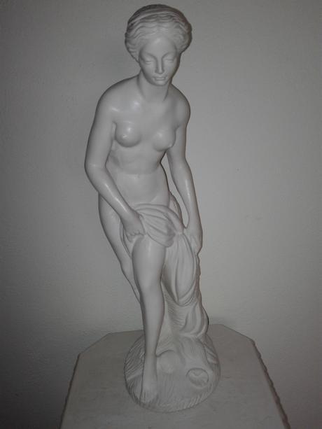 Alabastrová socha - afrodita,