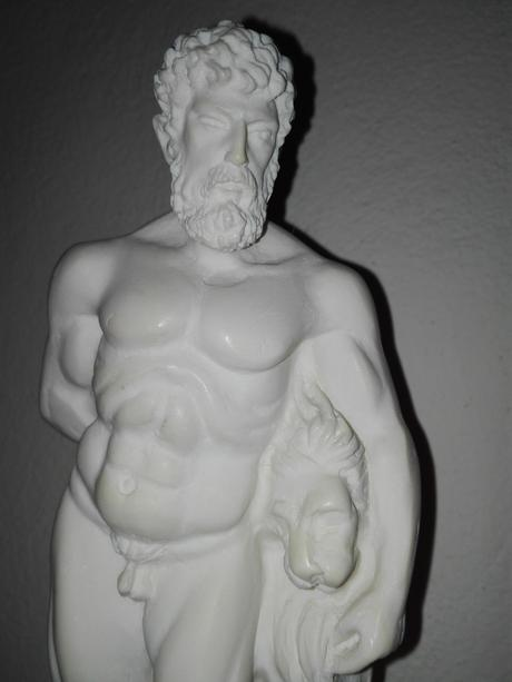 Alabastrová socha - Herkules s levom,