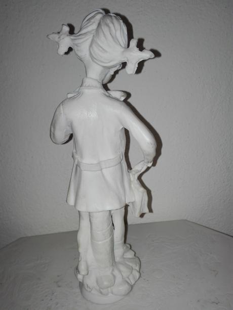 Alabastrová soška - Školáčka,