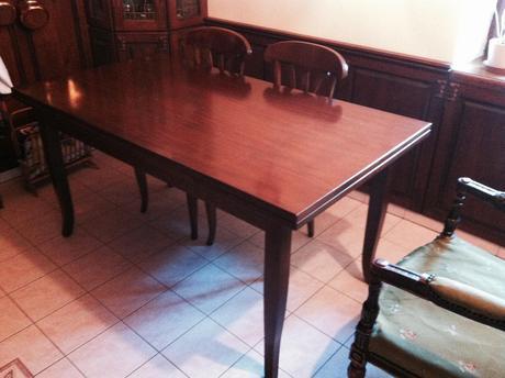 jedálenský stôl ,
