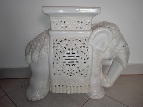 Keramický glazúrovaný slon,