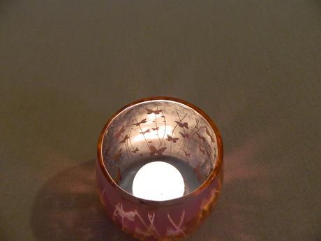 svícen na čajovou svíčku s motýlky,