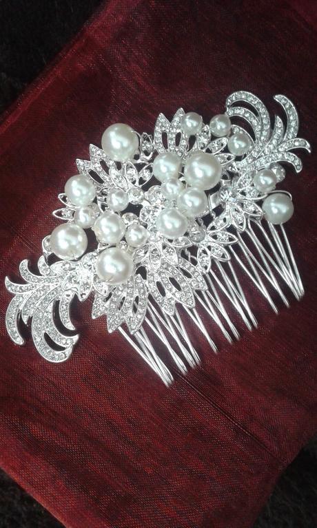 Hrebienok s perlami,