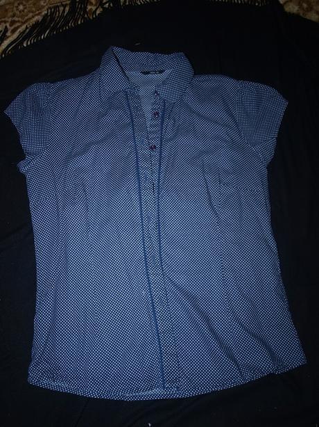 Bodkovaná košeľa, 40
