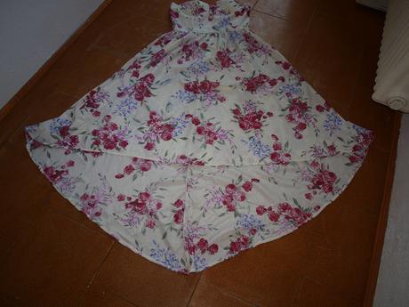 Šaty kvetované, XL