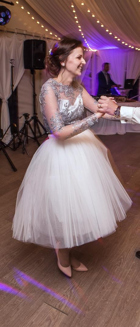 Tylová biela sukňa, 34
