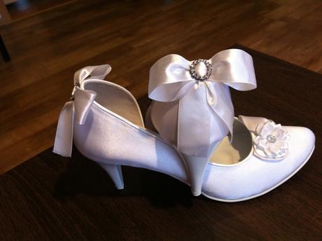 Biele topanky pre nevestu, 41