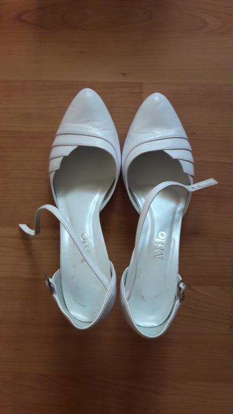 Biele sandálky s plnou špicou, 41