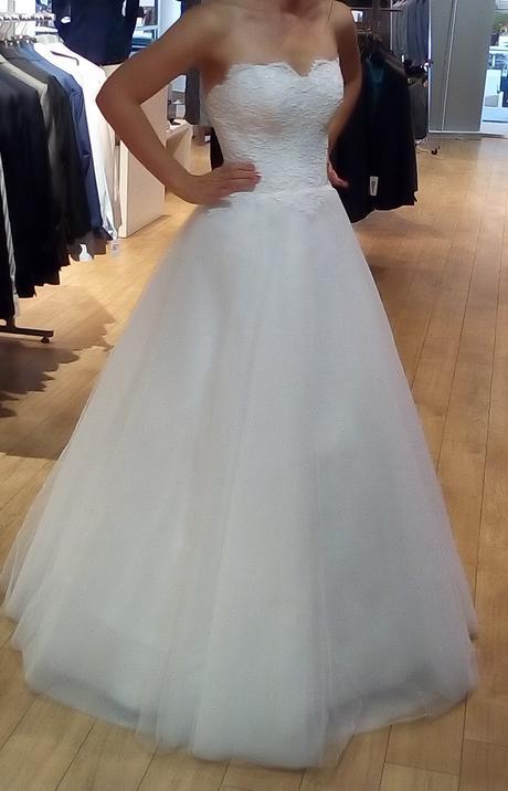 Svadobné šaty od Natasha Azariy, 38