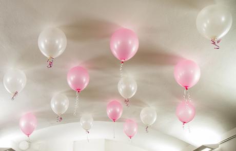 lepíky na balonky, cca 100 ks, cena 19,-,