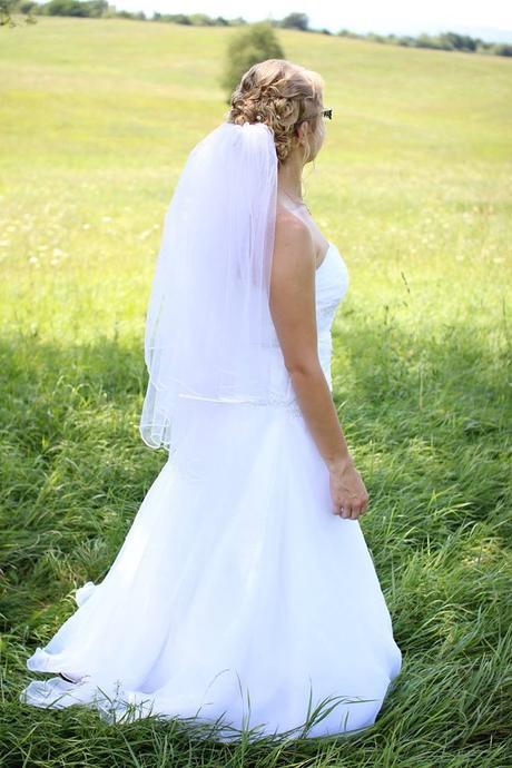Korzetové svadobné šaty, 42