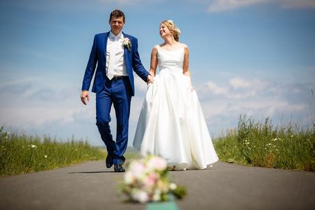 Jednoduché svadobné šaty šité na mieru na predaj, 38