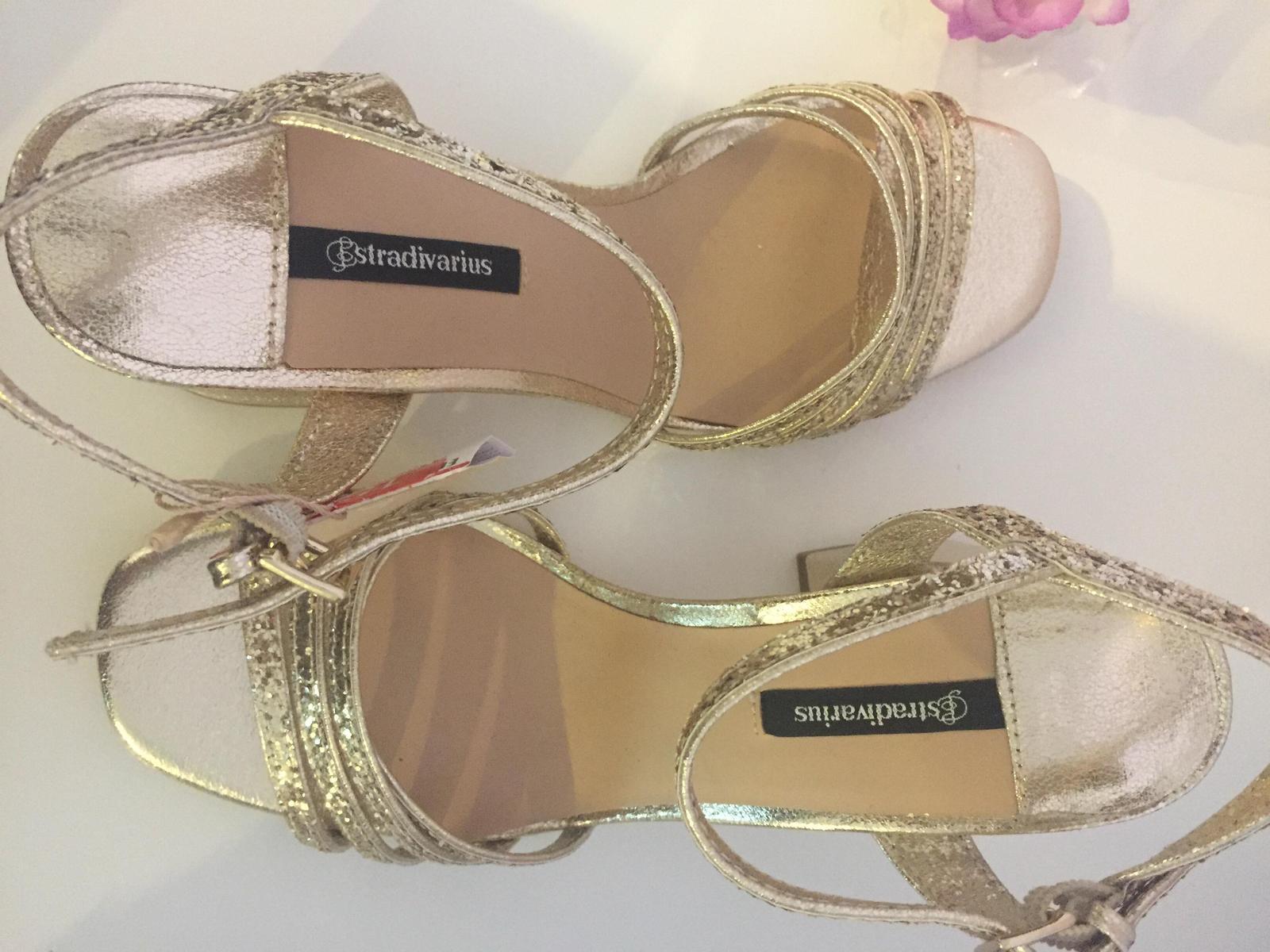 aca2267f2514 Zlate sandalky