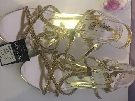 Zlate sandalky na nizkom opatku, 36