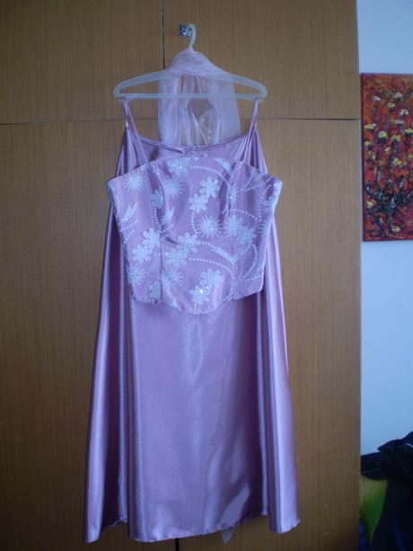 Ľadovo ružové spoločenské šaty, M