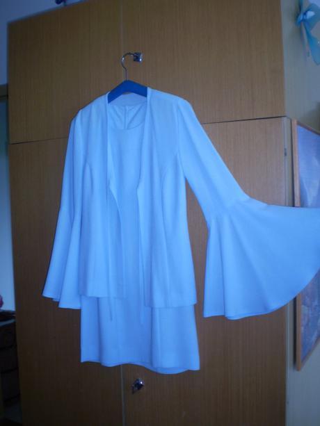 svetlo modré šaty ušité na mieru, 36