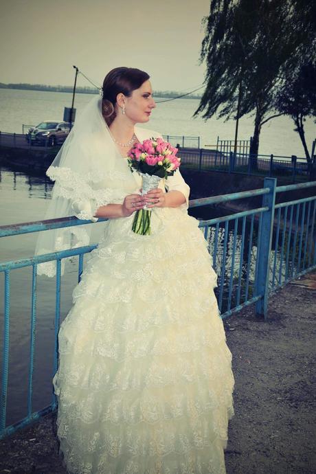 Krajkove svadobne saty 36-38 cena 80, 38